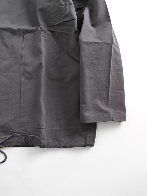アノラックフードジップスモック袖裾部分