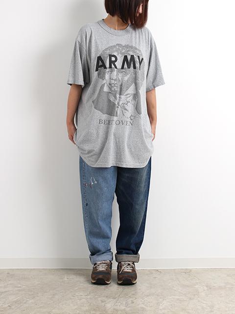 ヴェートーベンアーミーTシャツ着用2