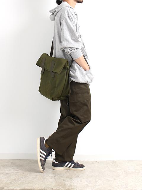 デンマーク軍メッセンジャーバッグ着画横