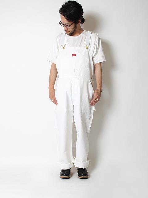 ディッキーズオーバーオールホワイト男性着用前