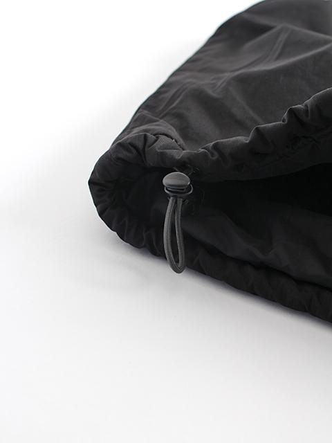 PCUプリマロフトベストブラック裾ドローコード