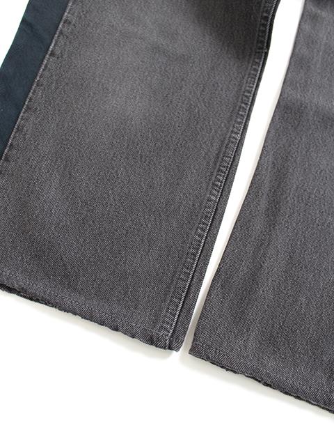 リメイクサイドラインデニムパンツタイプA置き裾部分