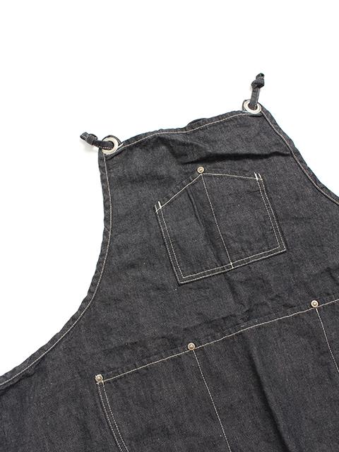スプリットエプロンブラック胸ポケット部分