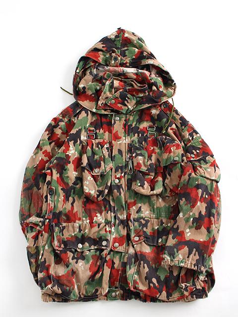 スイス軍アルペンカモマウンテンジャケット置き