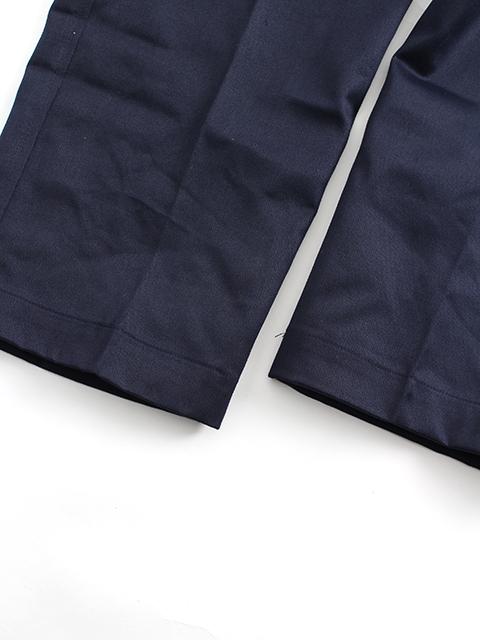 ロイヤルネイビーカーゴトラウザー裾部分